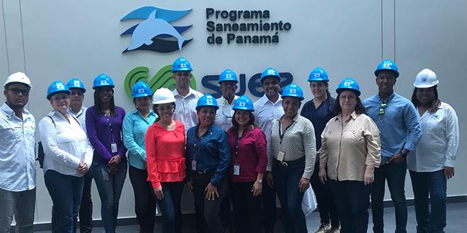 Voluntarios de Morgan & Morgan visitaron el Programa de Saneamiento de Panamá