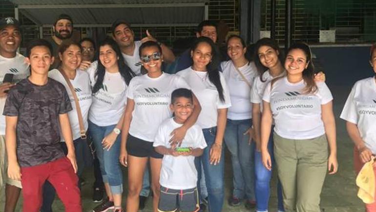 Jornada de voluntariado en el Colegio Elena Ch. de Pinate
