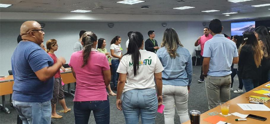 Voluntarios se preparan para la Academia Ciudadana